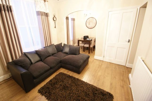 Thumbnail Flat to rent in Clifton Road, Exeter