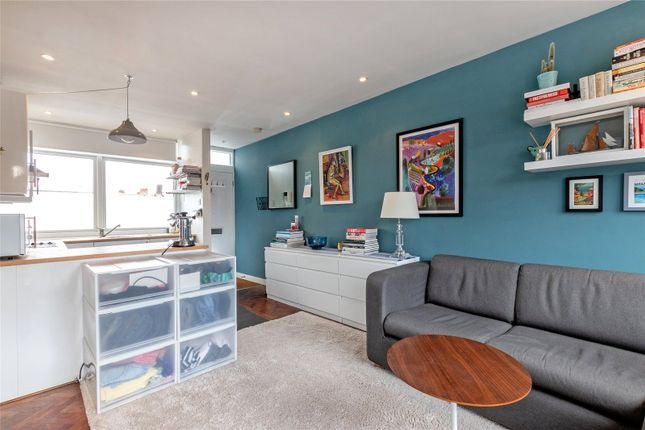 Thumbnail 1 bed flat for sale in Wandsworth Bridge Road, Fulham, London