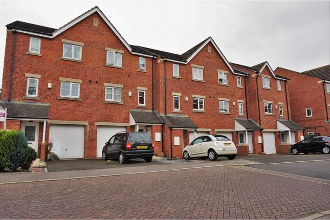 Thumbnail Terraced house for sale in Burnleys Mill Road, Cleckheaton