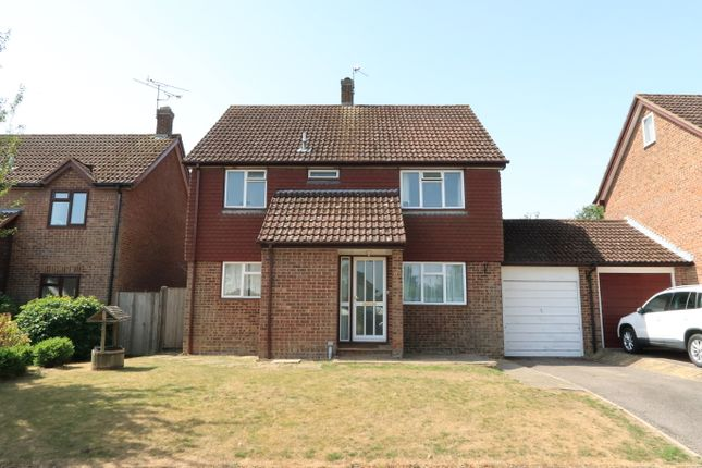 Thumbnail Link-detached house for sale in Middle Mead, Hook