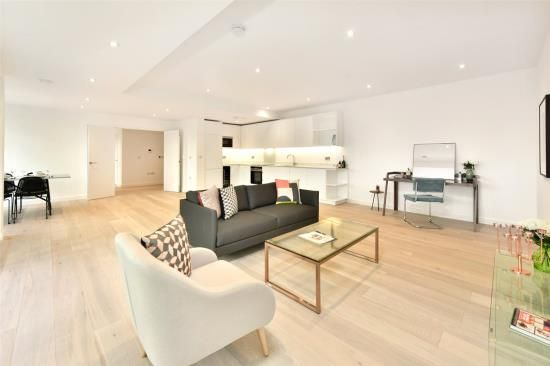Thumbnail Flat to rent in Waterloo Road, London