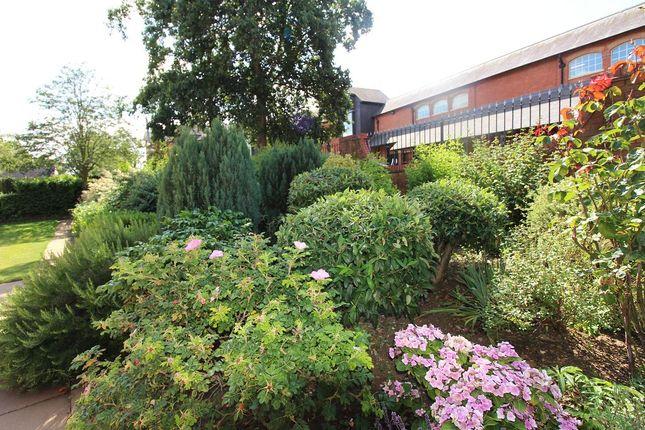 Gardens of Spiceball Park Road, Banbury OX16