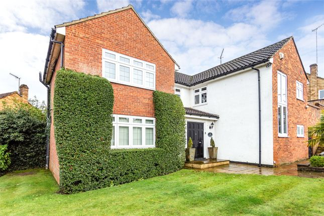 Picture No. 14 of Woodfield Rise, Bushey WD23