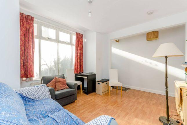 Thumbnail Maisonette to rent in Shelton Road, Wimbledon