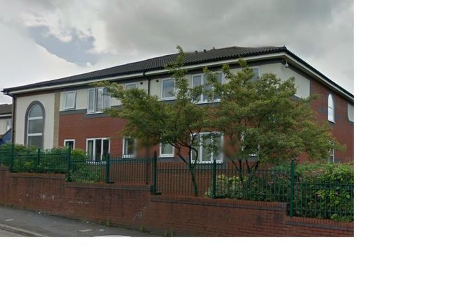 1 bed flat to rent in Smallbrook Road, Shaw OL2