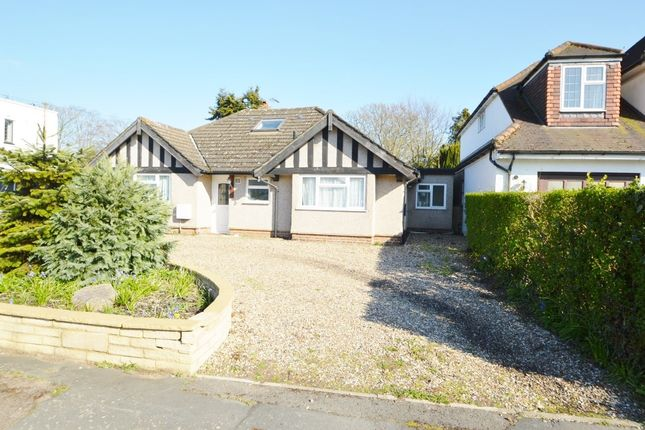 3 bed detached bungalow to rent in Wellesley Avenue, Richings Park SL0