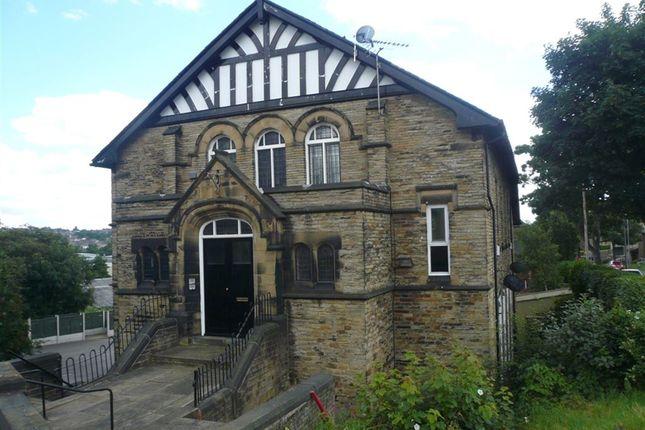 Thumbnail Flat to rent in Huddersfield Road, Liversedge