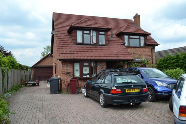 Thumbnail Property for sale in Fairlawn Road, Tadley