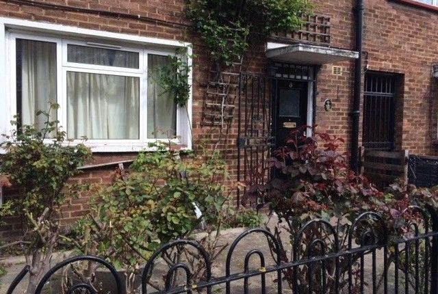 Thumbnail Cottage to rent in Lindley Street, London