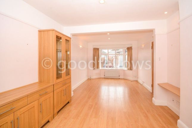 3 bed property to rent in Lynmouth Avenue, Morden