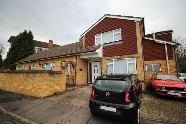 6 bed detached house to rent in Falaise, Englefield Green, Egham