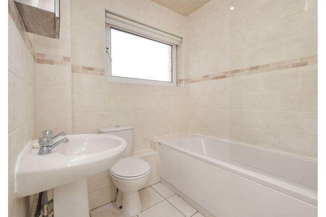 Bathroom of 51 Porchester Street, Glasgow G33