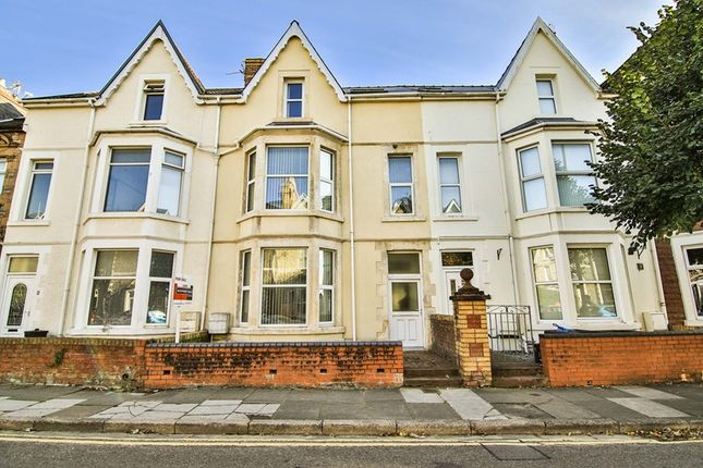 Thumbnail Terraced house for sale in Victoria Avenue, Porthcawl