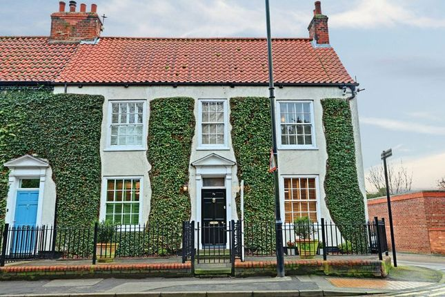 Thumbnail Property for sale in The Avenue, Lowgate, Sutton-On-Hull, Hull
