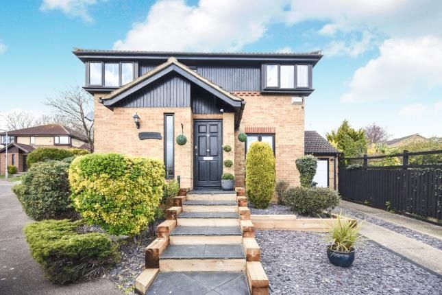 Thumbnail Detached house for sale in Basildon, Langdon Hills, Essex