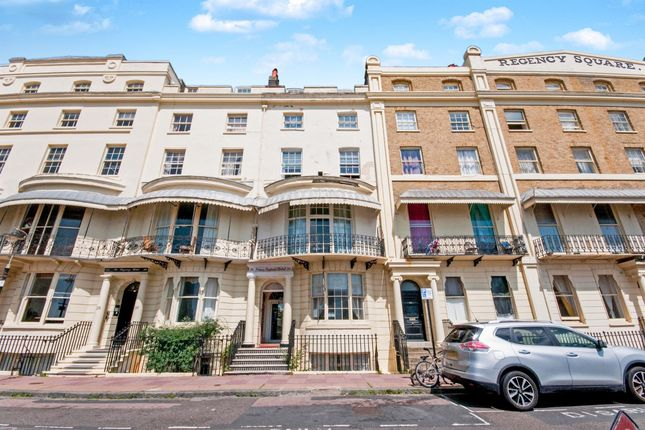 Thumbnail Town house for sale in Regency Square, Brighton