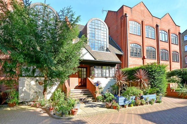 Thumbnail Terraced house for sale in St. Georges Square, London