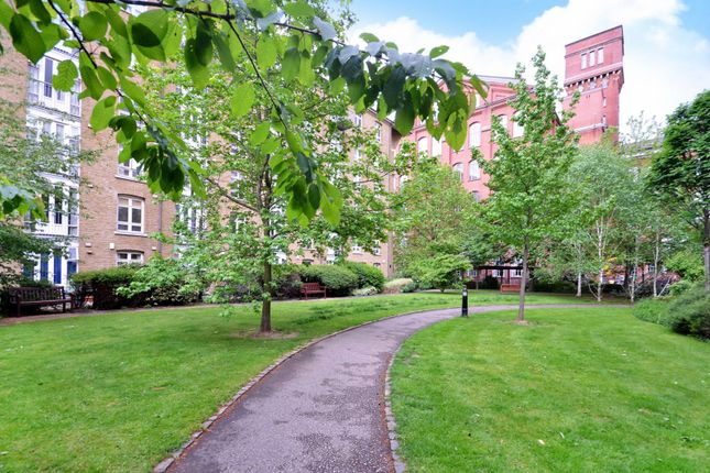 Thumbnail Flat to rent in Fairfield Road, Bow