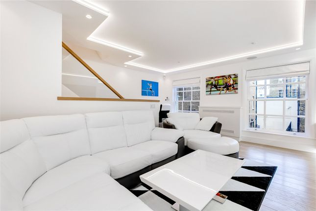 Thumbnail Terraced house to rent in Brick Street, Mayfair, London