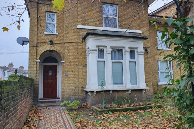1 bed flat to rent in Romford Road, London E7