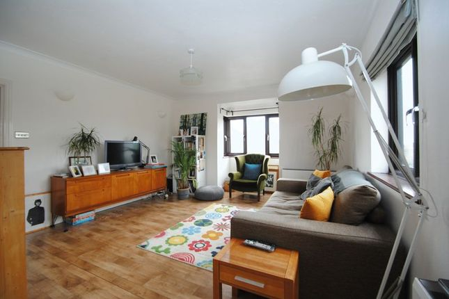 Thumbnail Flat to rent in Westleigh Avenue, Leigh-On-Sea