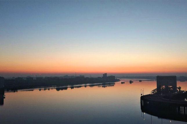 Picture No. 22 of Mizzen Mast House, Mast Quay, Woolwich, London SE18