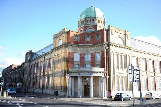 Thumbnail Flat to rent in Clarence Place, Newport, Gwent.