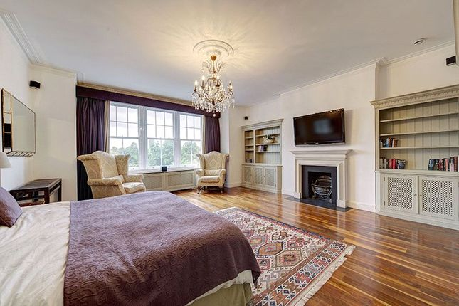 Buy In Sw3 4Hh of Cheyne Place, Royal Hospital Road, Chelsea, London SW3
