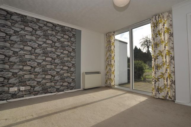 Thumbnail Maisonette to rent in Bearton Road, Hitchin