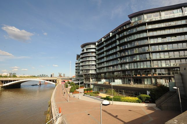 Thumbnail Flat to rent in Chelsea Bridge Wharf, London