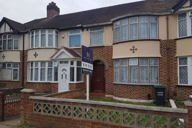 Thumbnail Terraced house to rent in Glamis Crescent, Hayes, Middlesex
