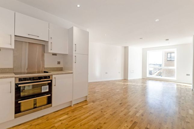 Thumbnail Flat to rent in Fulbourne Road, Walthamstow