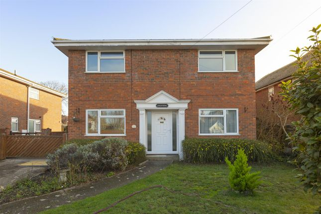 4 bed detached house to rent in Bowes Avenue, Margate CT9