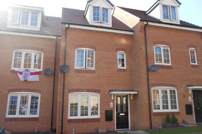 Thumbnail Town house to rent in Priory Chase, Pontefract
