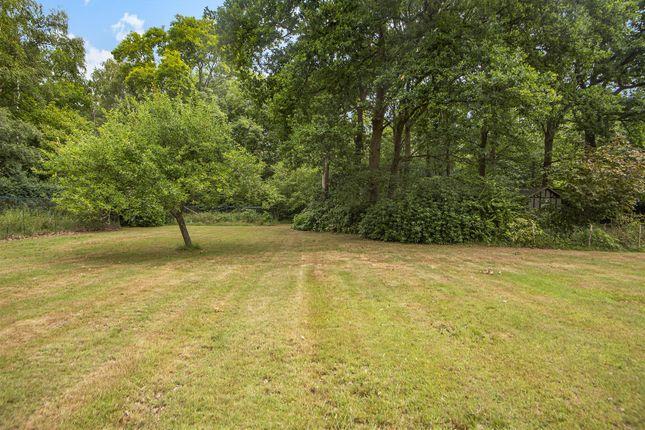 615502 (10) of The Highlands, East Horsley, Leatherhead KT24
