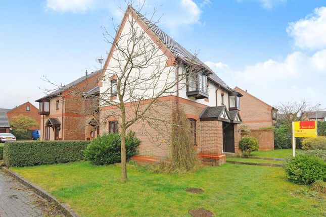 Thumbnail Semi-detached house to rent in William Sim Wood, Winkfield Row