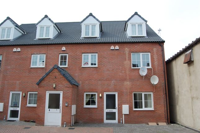Thumbnail Flat to rent in Drummond Road, Skegness