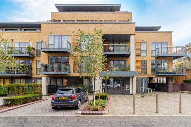 Thumbnail Flat for sale in Newton Court, Kingsley Walk, Cambridge