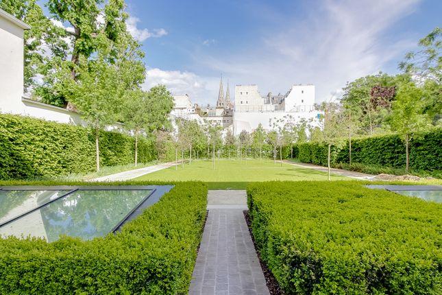 Thumbnail Apartment for sale in 7th Arrondissement, Paris, France
