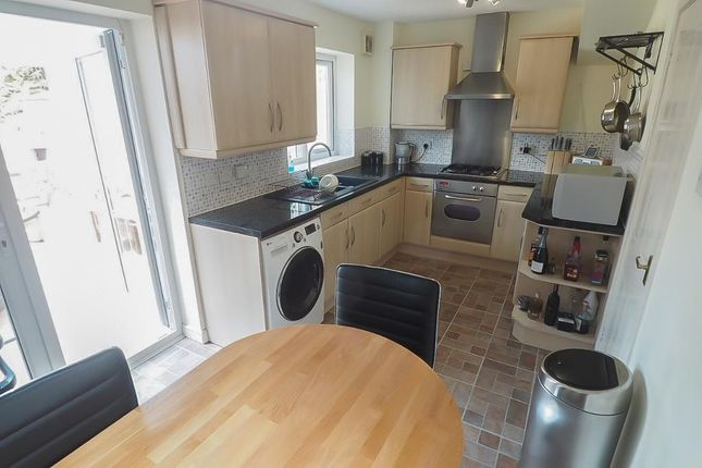 Kitchen of Idas Close, Victoria Dock, Hull HU9