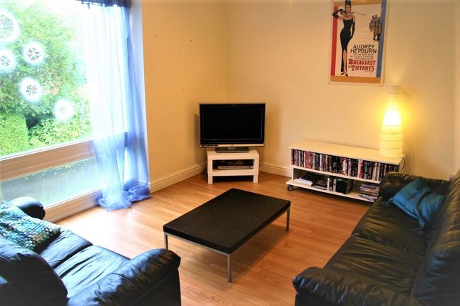 Thorn House, 2 Bed, Fallowfield, Manchester M14