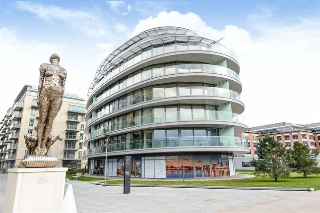 Thumbnail Flat to rent in Fulham Reach, London