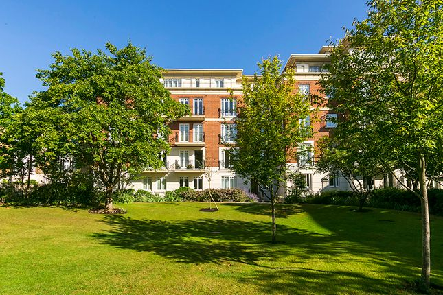 Thumbnail Flat for sale in Clevedon Road, East Twickenham