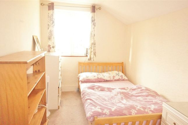 1 bed property to rent in Adelaide Road, Ashford, Middlesex