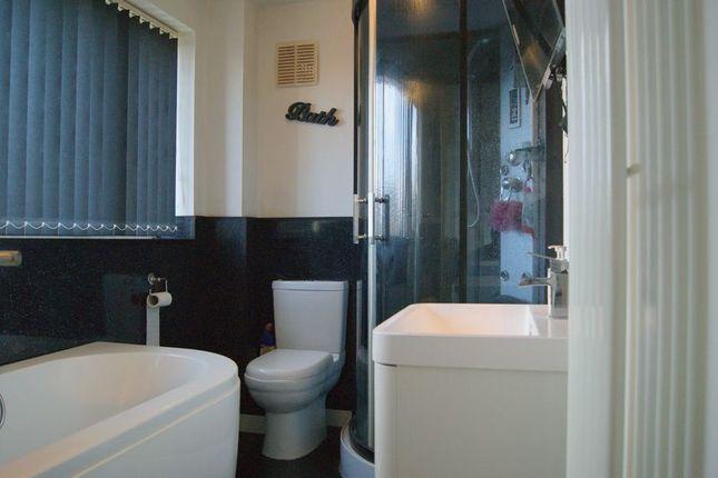 Bathroom of Queen Street, Balderton, Newark NG24