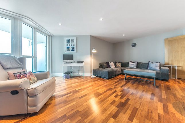 Thumbnail Flat for sale in Hamilton House, St George Wharf