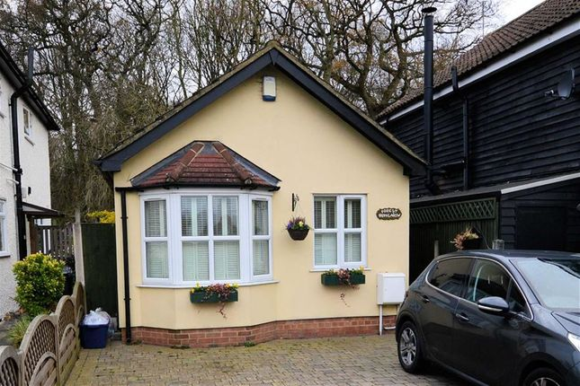 Thumbnail Detached bungalow for sale in Woodside, Thornwood, Epping