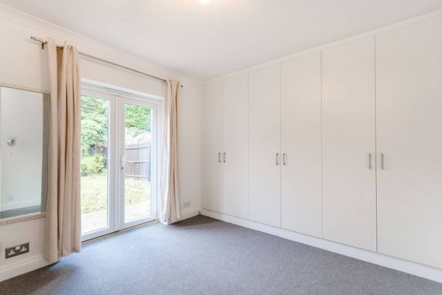 Thumbnail Bungalow for sale in Cheam Common Road, Worcester Park