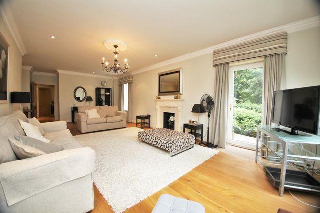Thumbnail Flat to rent in Treetops, The Mount, Caversham, Reading, Berkshire