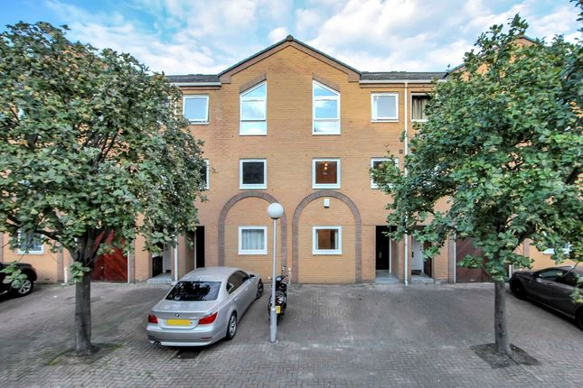 Thumbnail Terraced house to rent in Cyclops Mews, Canary Wharf, Isle Of Dogs